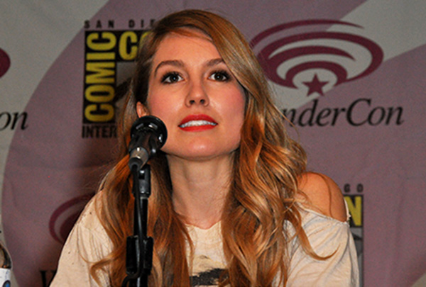 Sarah Carter at WonderCon Anaheim
