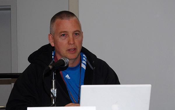 Doug Mahnke at WonderCon Anaheim