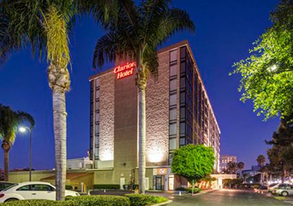 Clarion Hotel Anaheim R