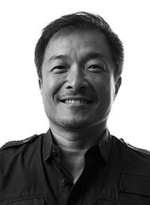 JIm Lee at WonderCon Anaheim 2017, March 31–April 2 at the Anaheim Convention Center